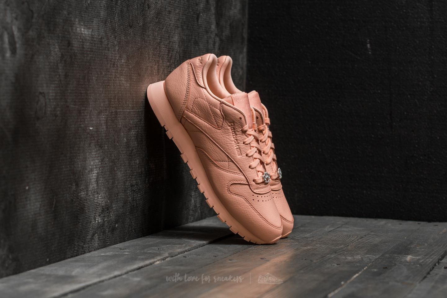 Reebok Classic Leather L Grit-Peach Twist/ Sleek Met