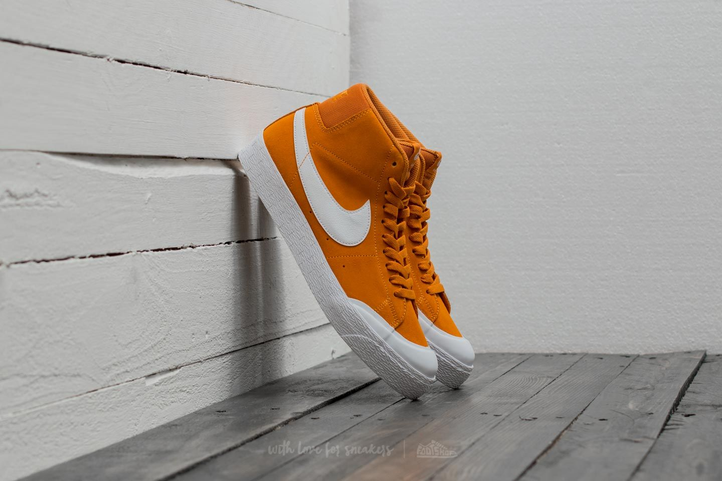 buy online cf3b8 d45be Nike SB Blazer Zoom Mid XT. Circuit Orange  White