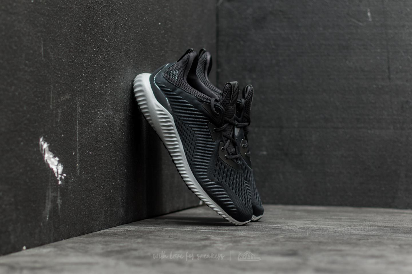 82732ced2fed adidas Alphabounce EM M Core Black  Running White  Utility Black ...