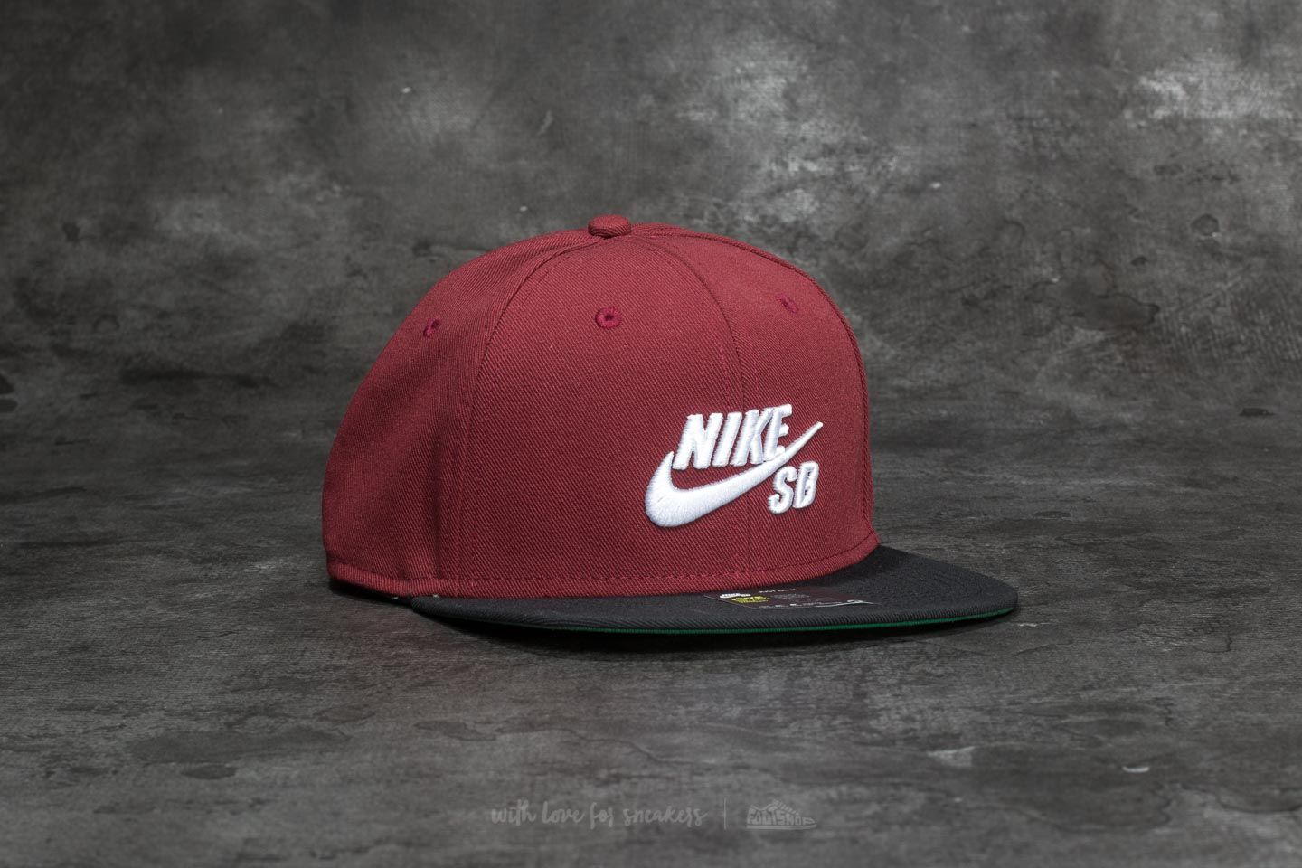 Nike SB Icon Pro Cap Dark Team Red  Black  Pine Green  White ... 72042c4de213