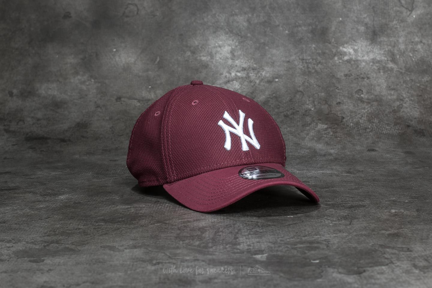 9de986960f7 New Era 9Forty Diamond Era Essential New York Yankees Cap Maroon  White