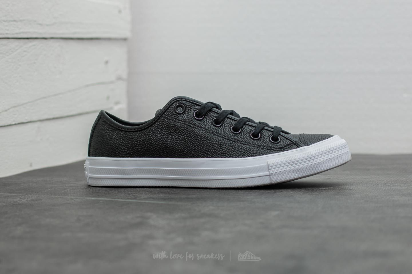 164e3e5f9393 ... wholesale converse chuck taylor all star ox black black white at a  great price 66 76129 ...