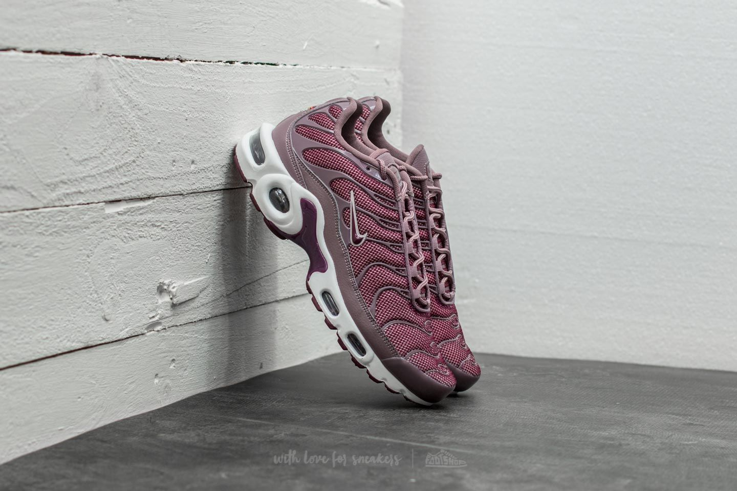 reputable site 7dd5a fe35e Nike Wmns Air Max Plus