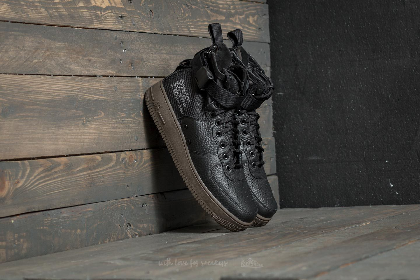 new product 79951 d5ef8 Nike SF Air Force 1 Mid