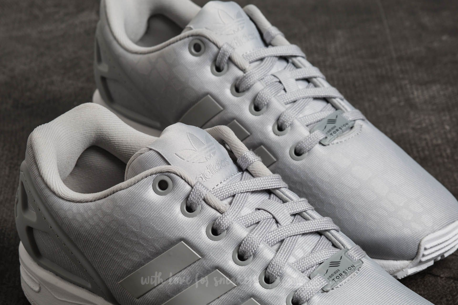 adidas ZX Flux W Grey Two  Grey Two  Ftw White at a great price 88969eb99