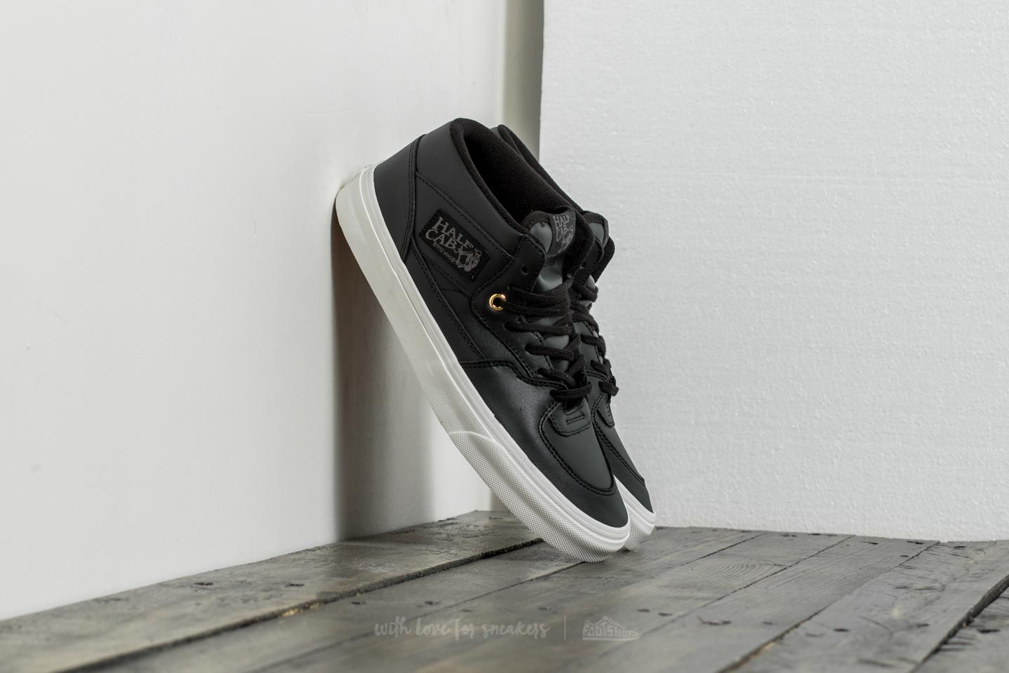 ffb725ad969b17 Vans Half Cab DX (Leather) Black  Gold at a great price £43