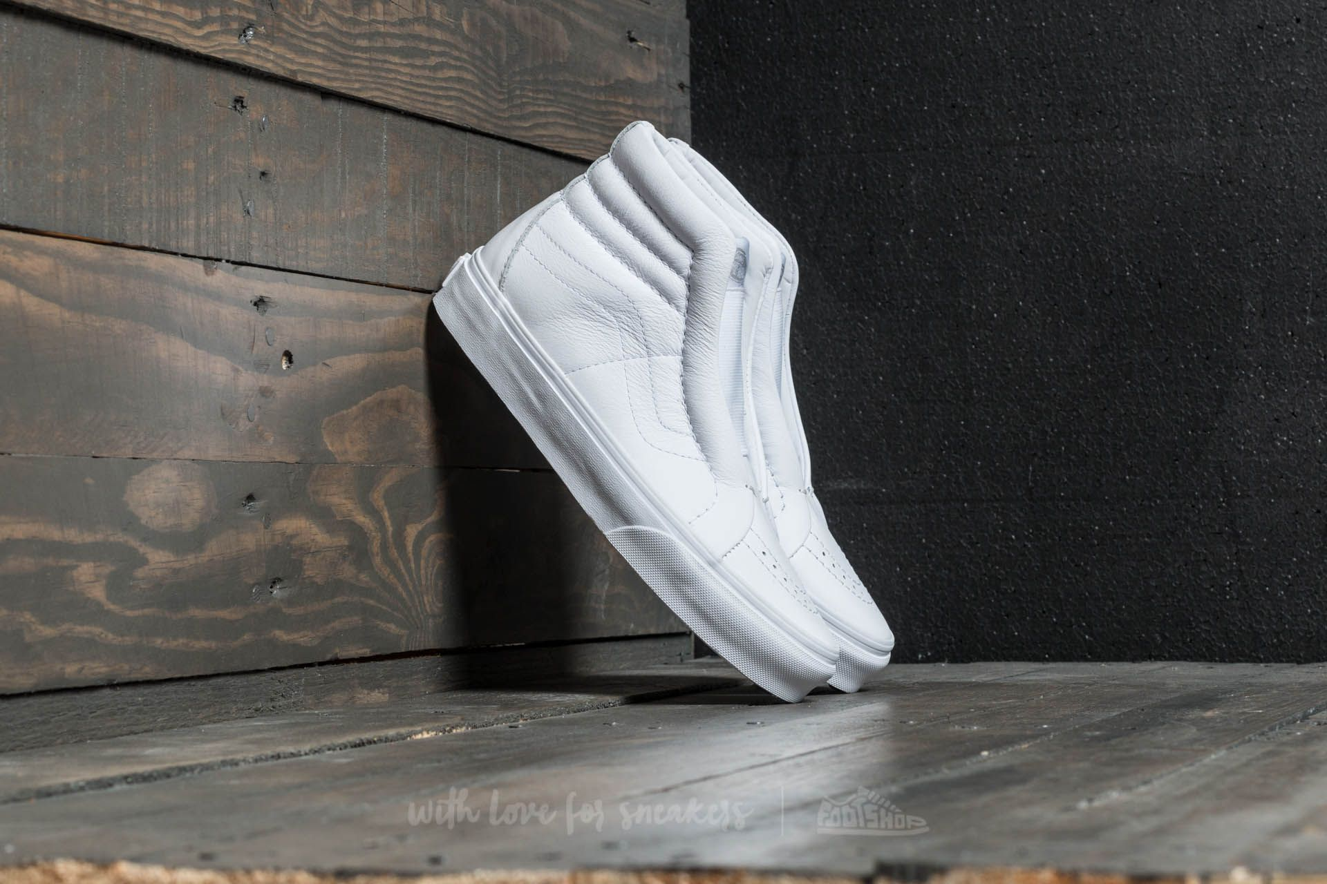 f03f8a0ffd Vans Sk8-Hi Reissue Laceless (Leather) True White