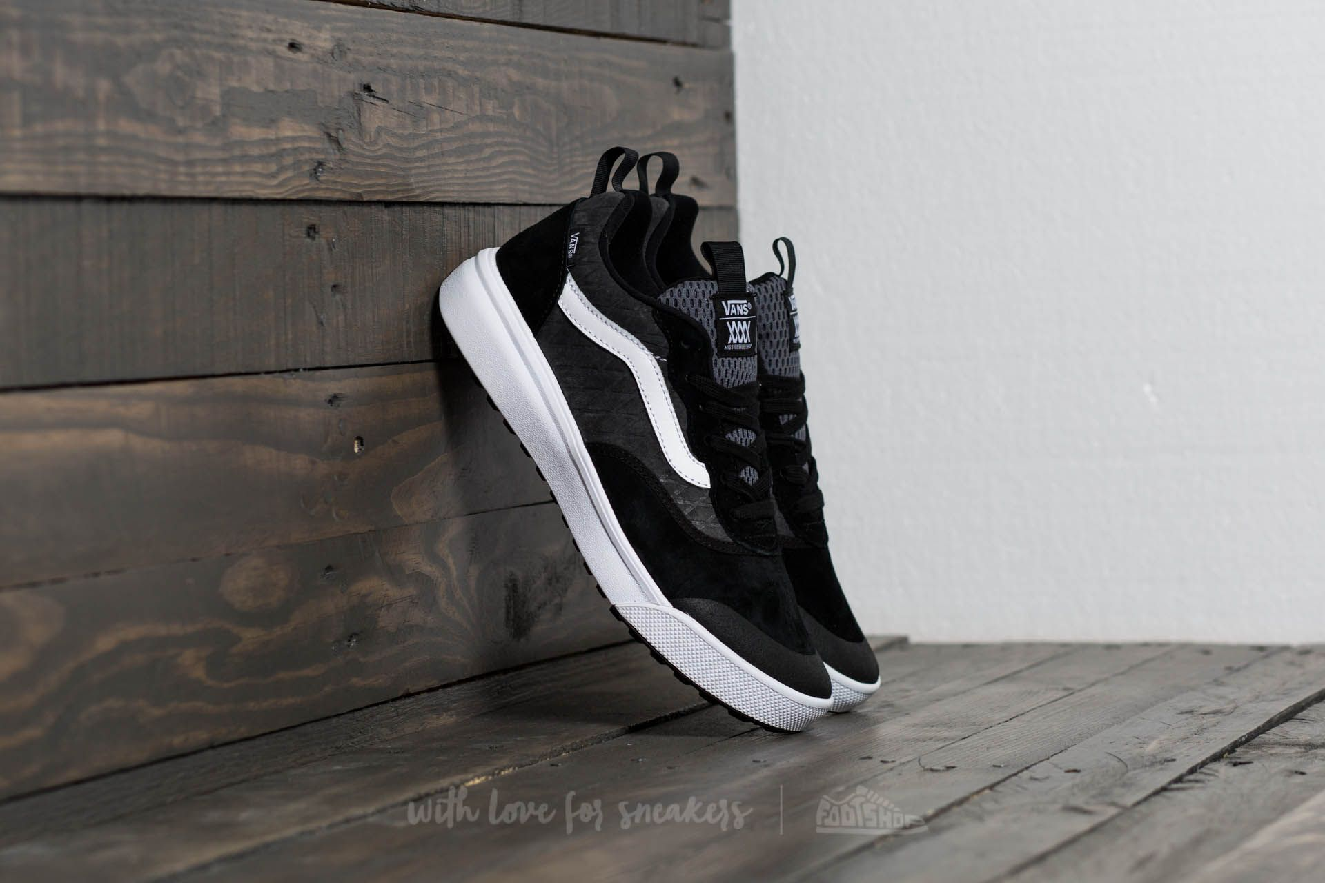 62fb9acf1f9 Vans UltraRange MTE (Mission Workshop) Black  Asphalt