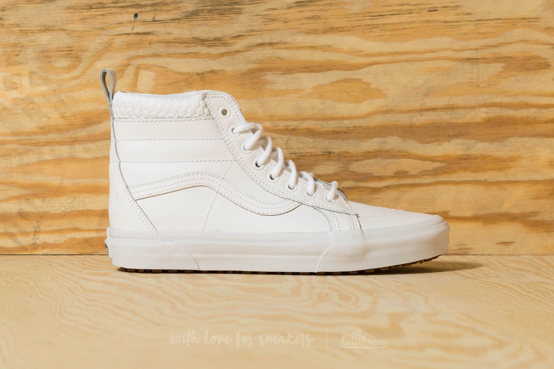 046083a44eca Vans Sk8-Hi MTE True White  Mono at a great price £64 buy
