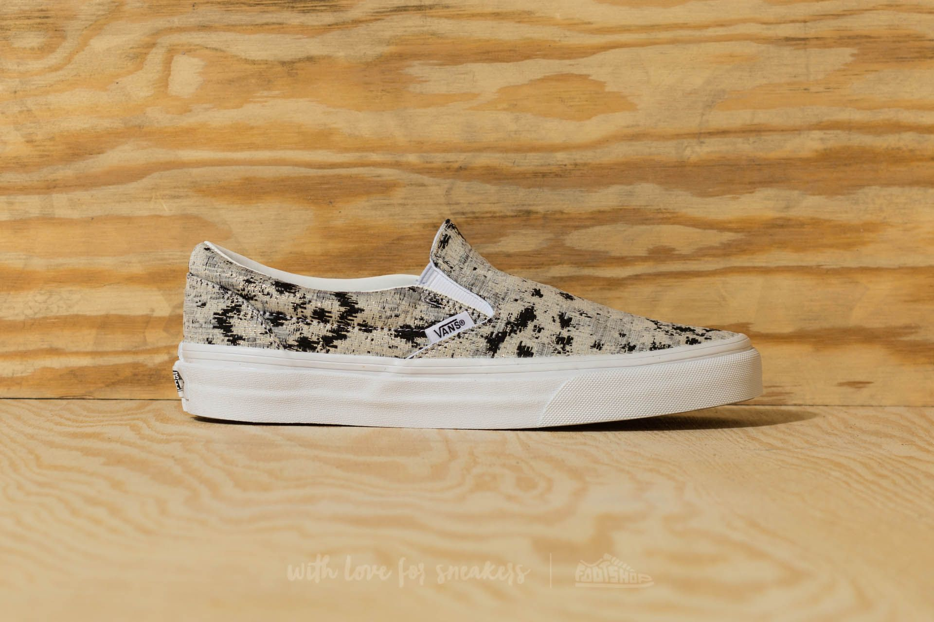 528621b0e5 Vans Classic Slip-On (Italian Weave) Abstract  True White at a great