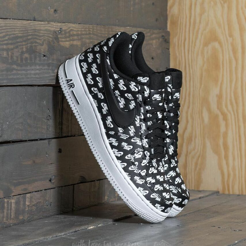 Nike Air Force 1 ´07 QS Black/ Black-White EUR 44.5