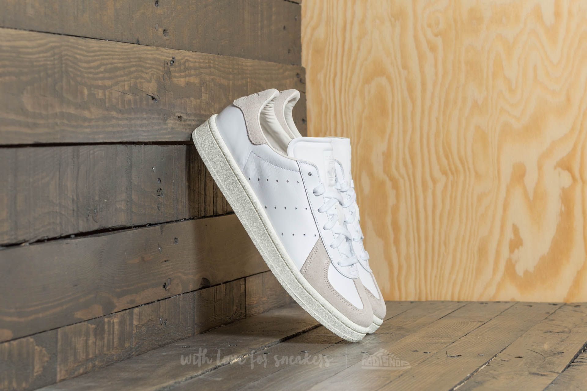 d2f87d20bf7 adidas BW Avenue Footwear White  Footwear White  Chalk White ...