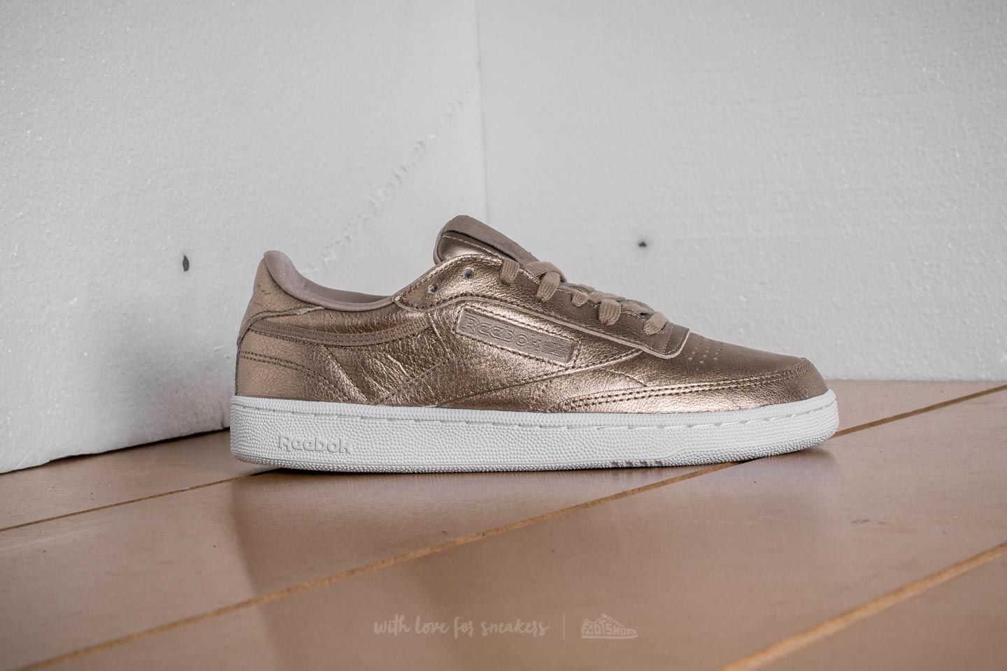 41ccfafce522a Reebok Club C 85 Melted Metal Pearl Met-Grey Gold  White at a great