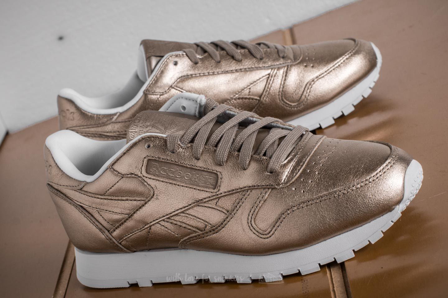 Reebok Classic Leather Melted Metal Pearl Met Grey Gold