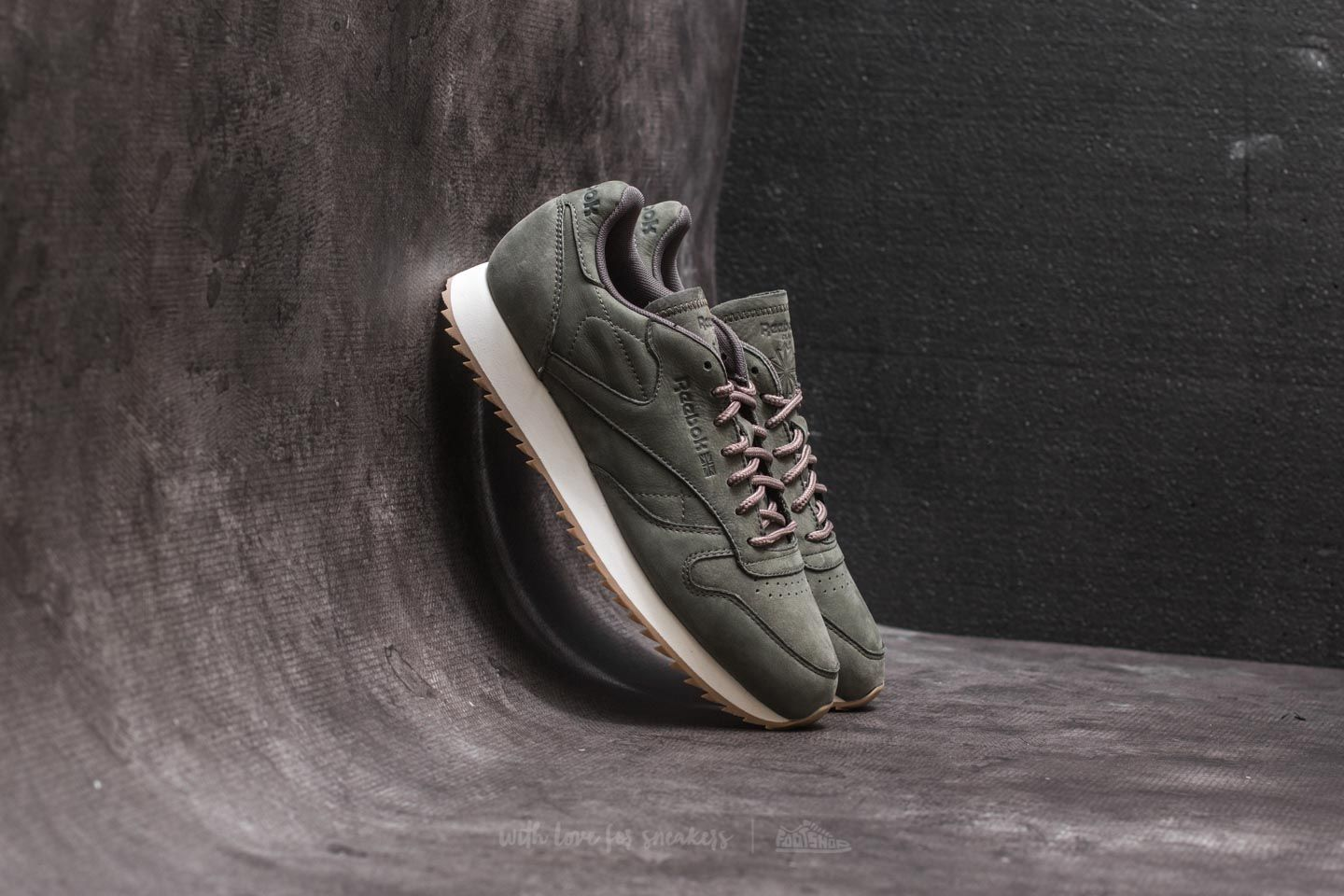 1168aaf9a85 Reebok Classic Leather Ripple WP Hunter Green  Urban Grey ...