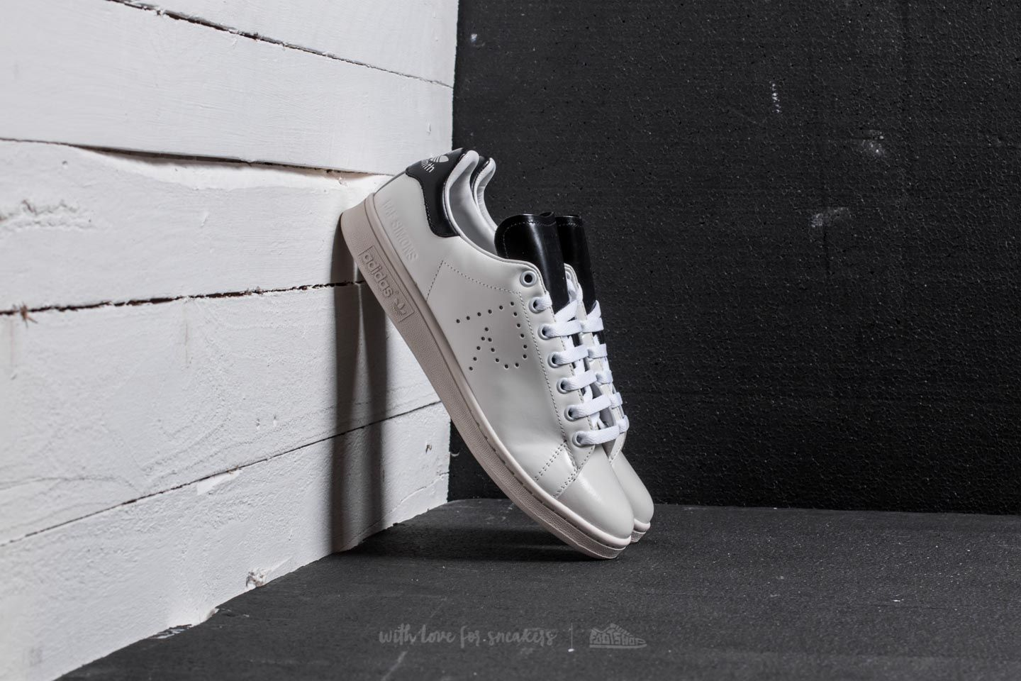 release date 84ee5 99bb9 adidas Raf Simons Stan Smith