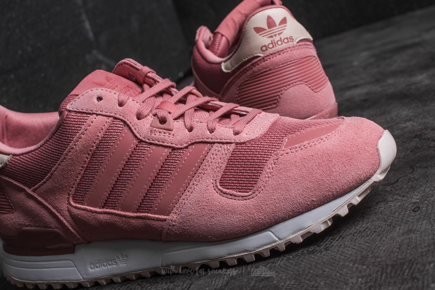 online store e05ce b0246 adidas ZX 700 W Raw Pink/ Raw Pink/ Linen | Footshop