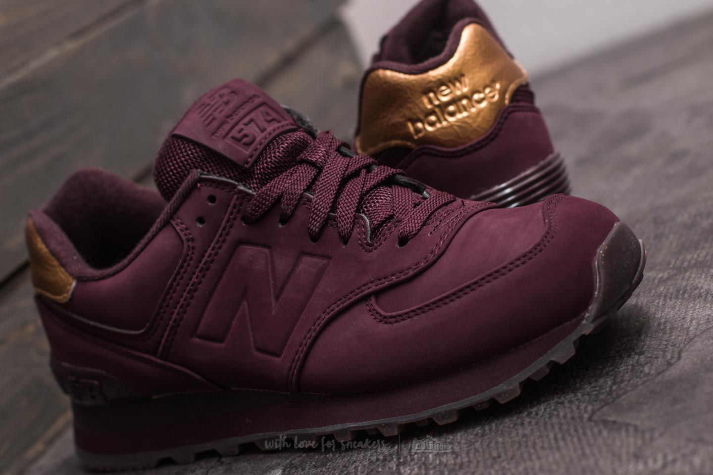 maroon and gold new balance 574