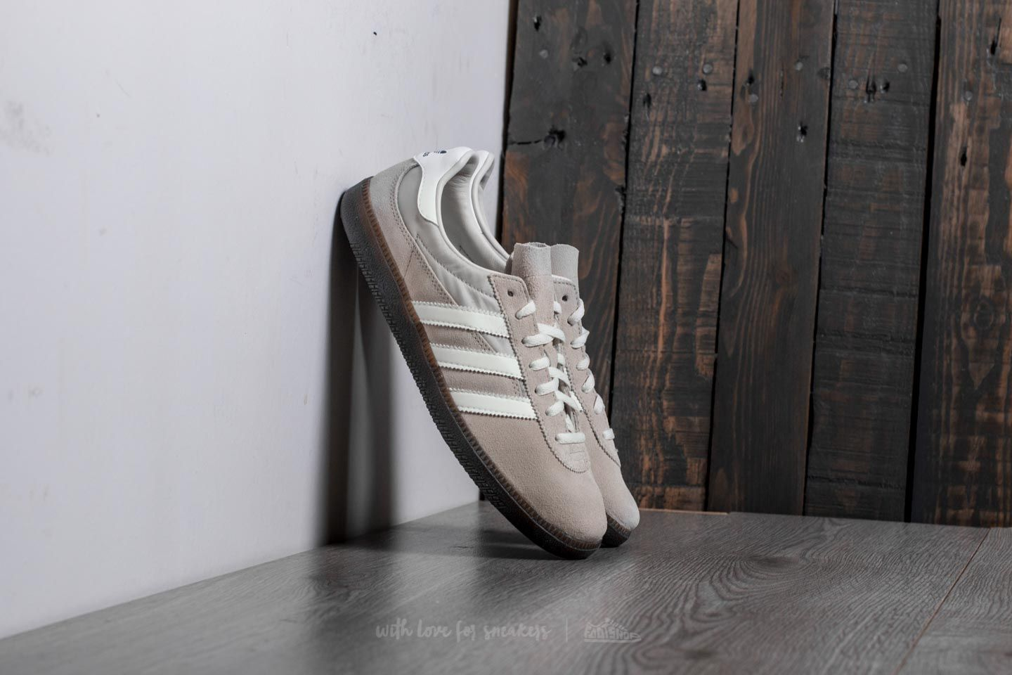 new arrival 9c992 3f6ec adidas GT Wensley Spezial. Clear Brown Off White Clear Granite