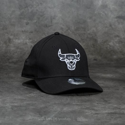 143fff84758 New Era 39Thirty Monochrome Chicago Bulls Cap Black