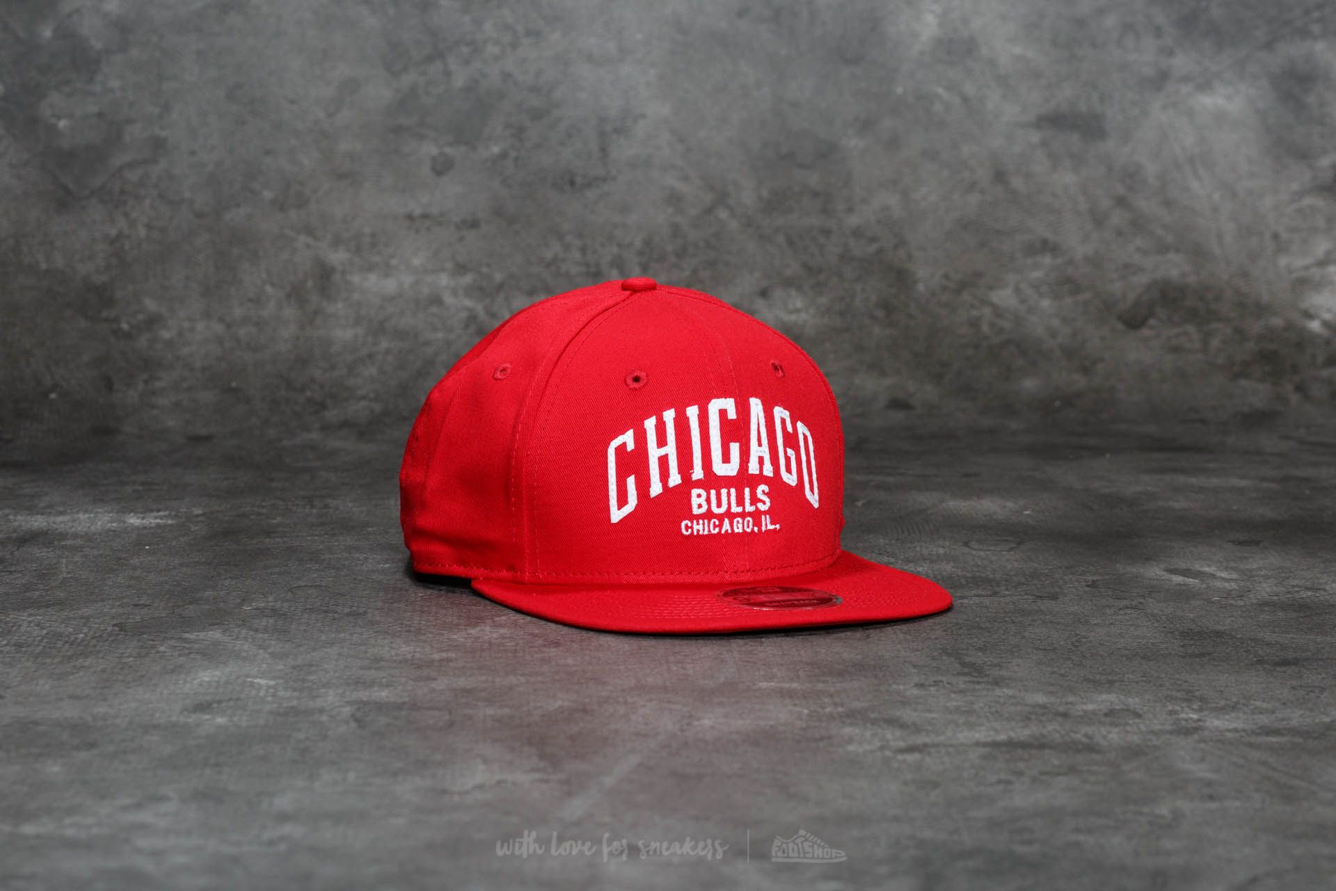 New Era 9Fifty Felt Script Chicago Bulls Cap Scarlet
