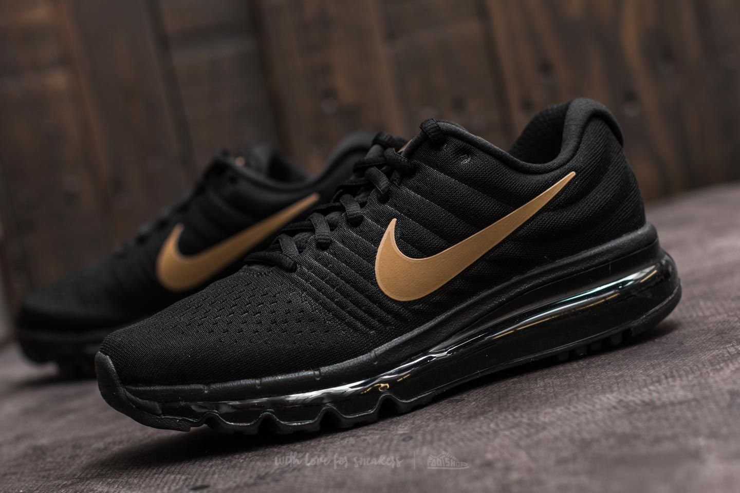 newest collection e9195 3790d Nike Air Max 2017 (GS) Black/ Metallic Gold | Footshop