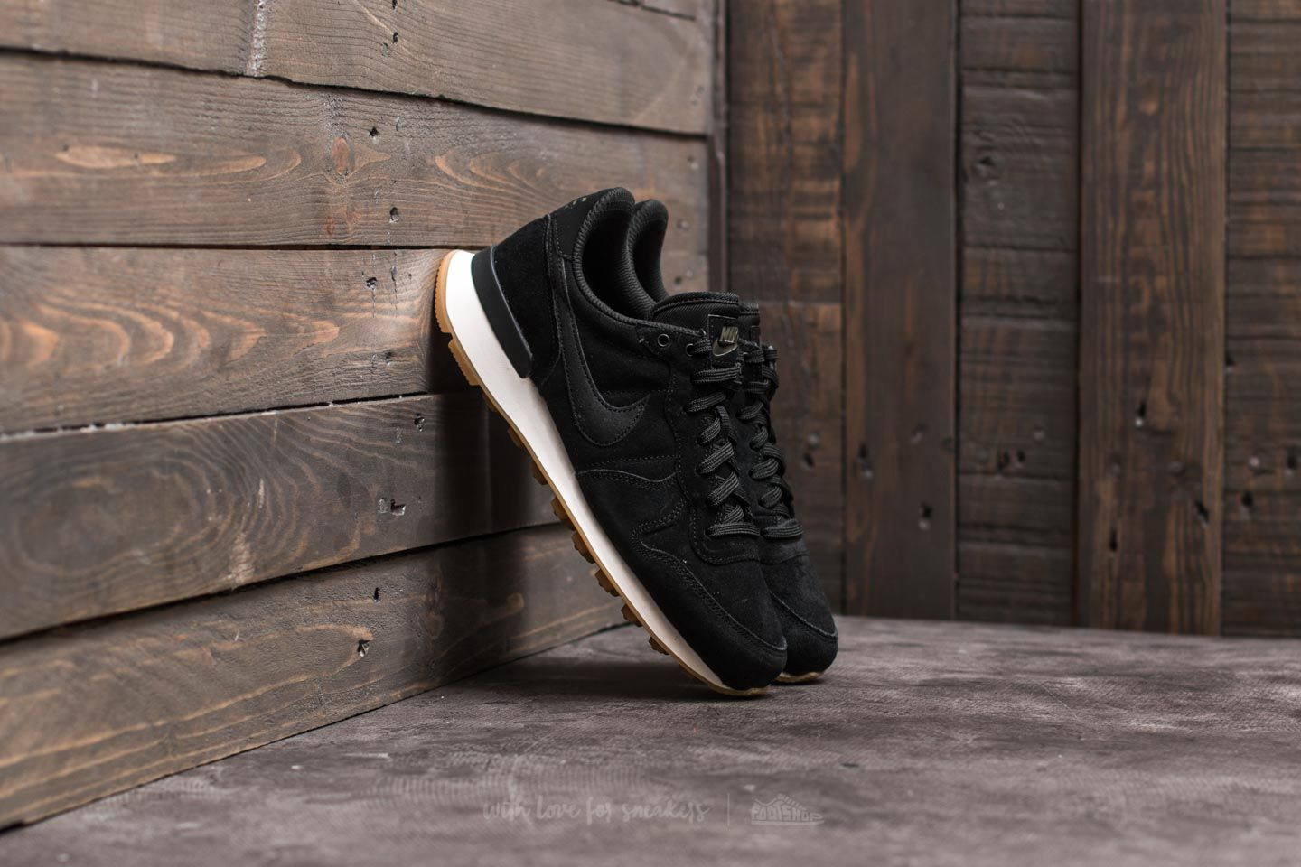 nike internationalist dames olijf