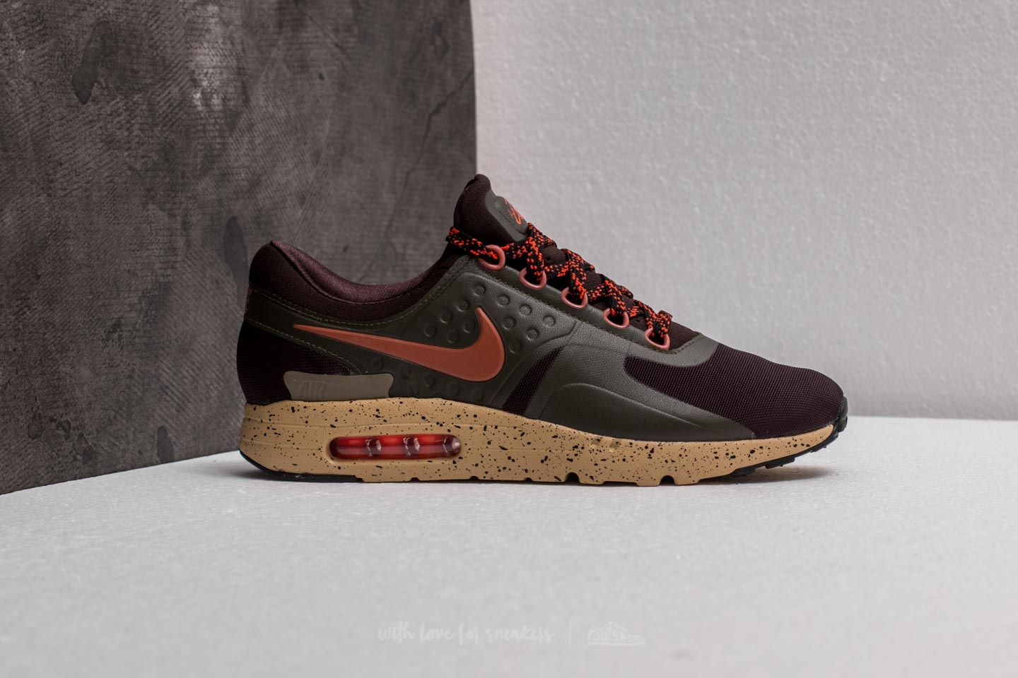 outlet store e6a0a 16bf8 Nike Air Max Zero SE Velvet Brown/ Dusty Peach | Footshop
