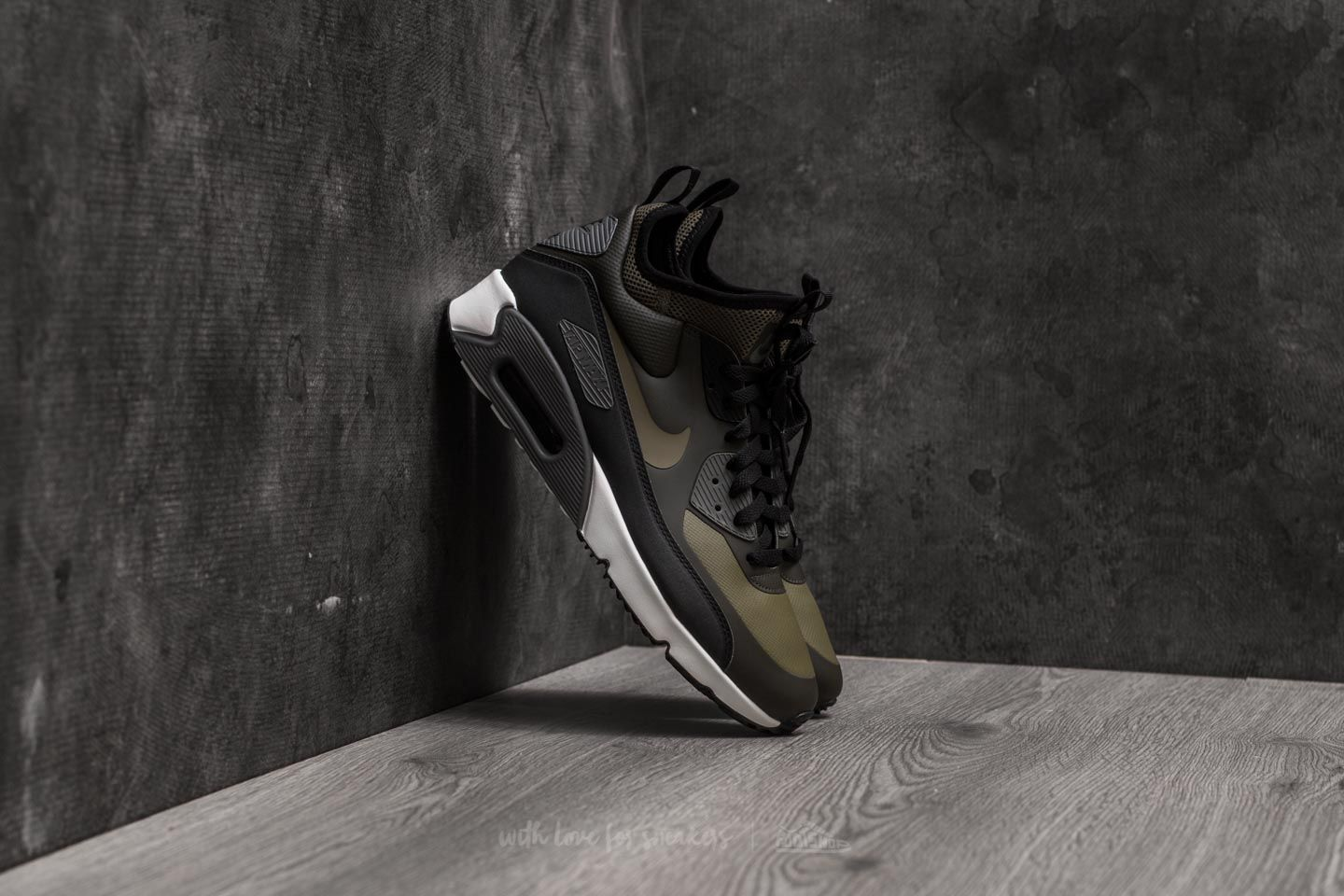 cheap for discount 36c95 8882f Nike Air Max 90 Ultra Mid Winter. Sequoia  Medium Olive-Black