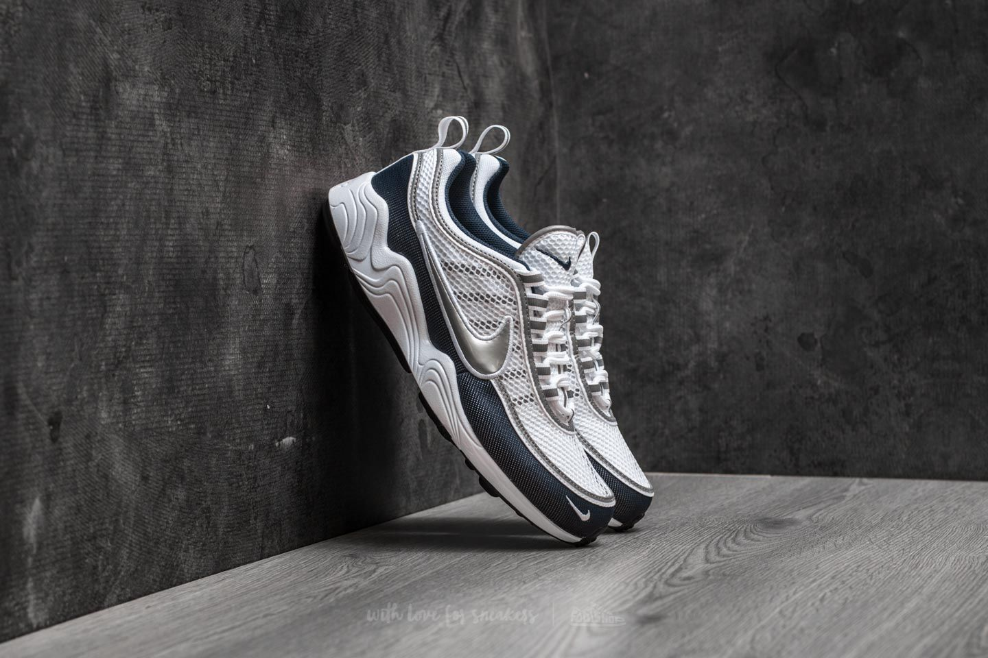 fast worldwide delivery Nike Air Zoom Spiridon White Silver
