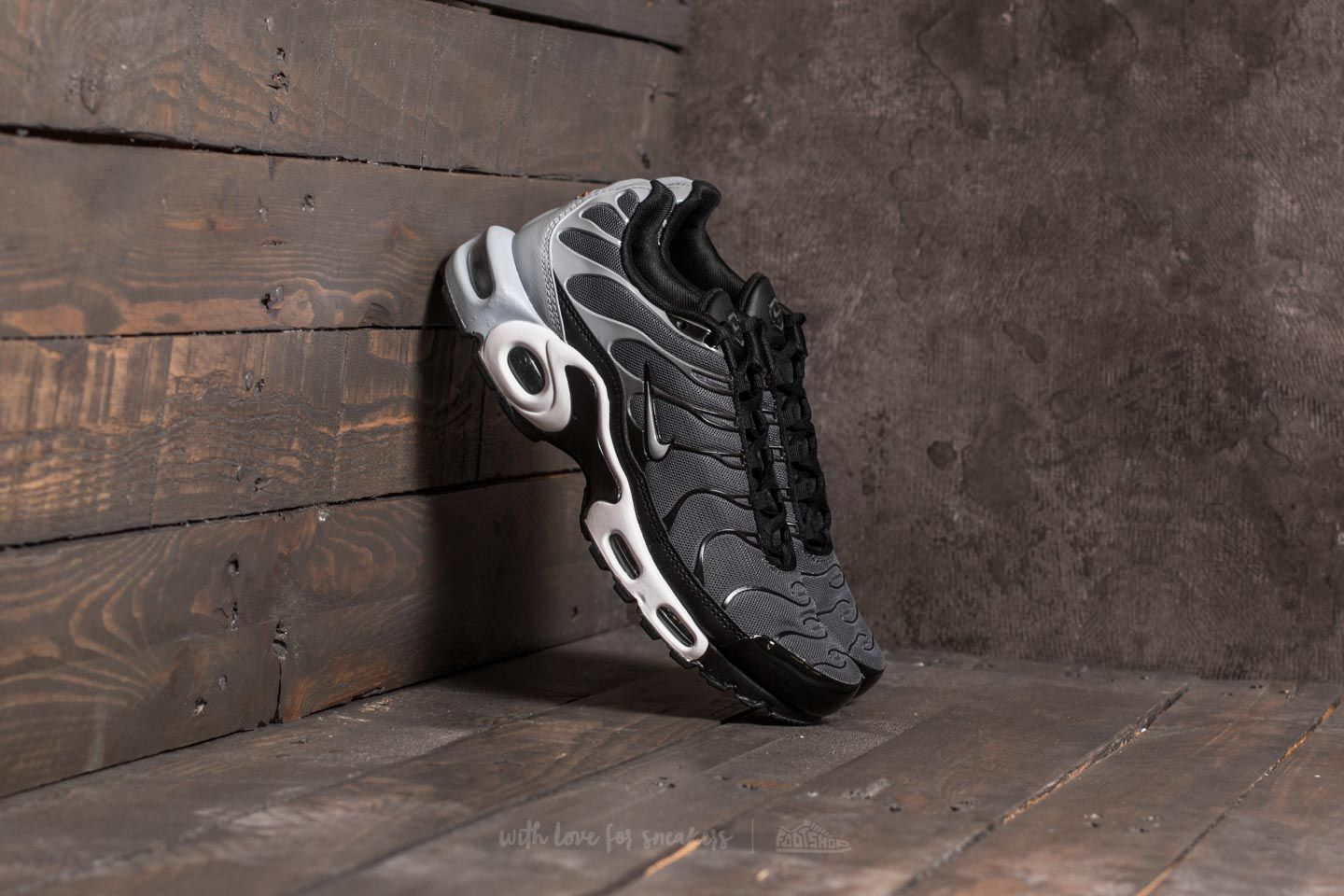 6f2cd4c4806491 Nike Air Max Plus Dark Grey  Wolf Grey  Black