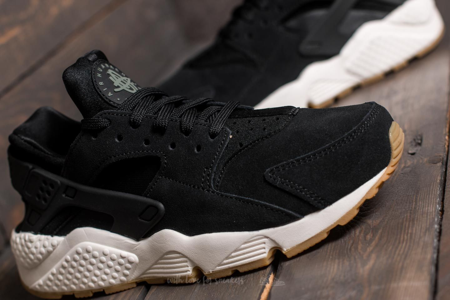 huge selection of 9c6c0 d4245 Nike Wmns Air Huarache Run SD Black/ Deep Greem-Sail | Footshop