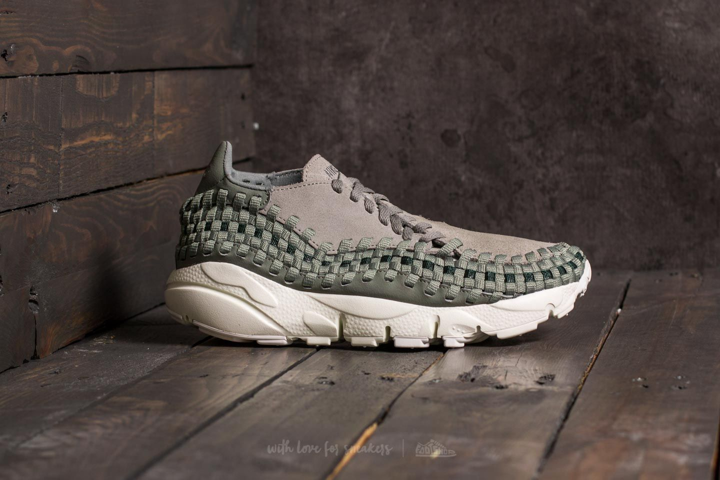 541b8060bddb Nike Air Footscape Woven W Dark Stucco  Dark Stucco at a great price 92 €