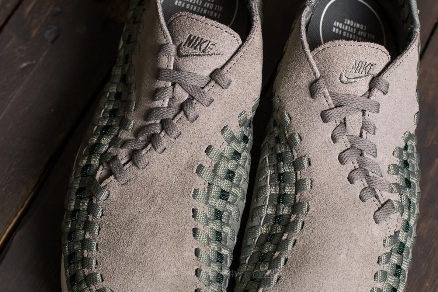 Nike Air Footscape Woven W Dark Stucco  Dark Stucco at a great price 92 € 159d845cb8