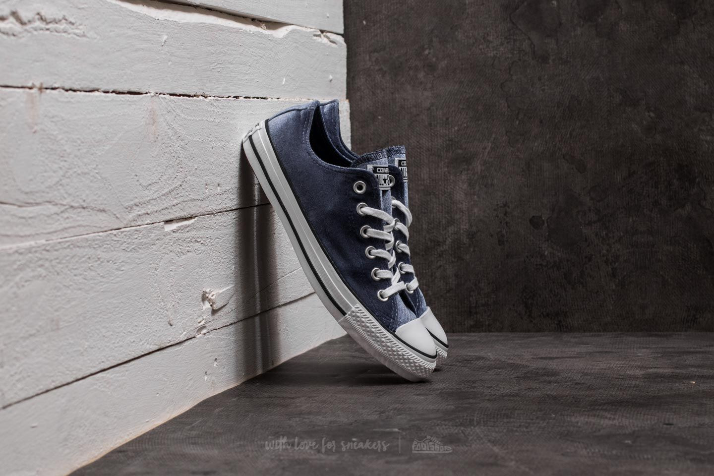30dbe539cc Converse Chuck Taylor All Star OX Midnight Navy  White  White za skvelú  cenu 44