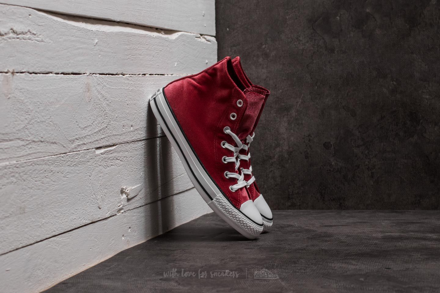 2a32aea386bfe2 Converse Chuck Taylor All Star Hi Red Block  White  White