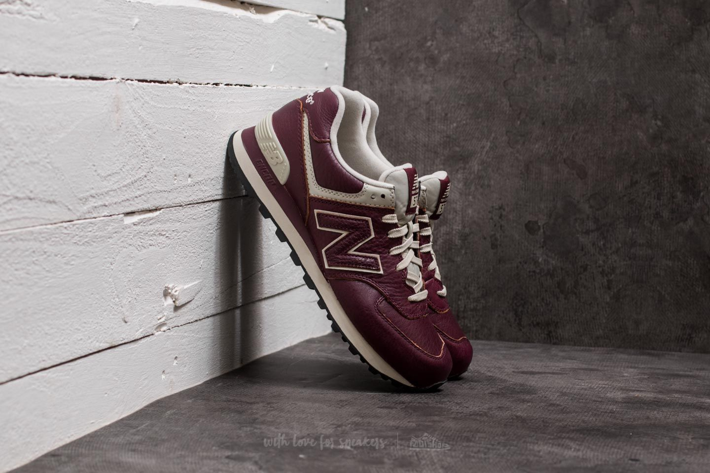 New Leather Balance Burgundy 574 To up Sale 74Discounts AjRL45