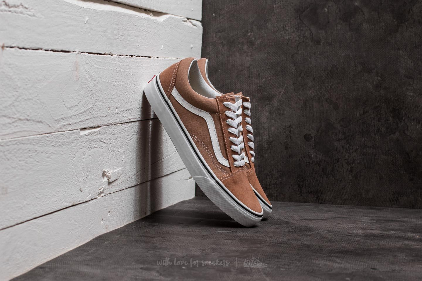 3619e30bb112 Vans Old Skool Tiger s Eye  True White
