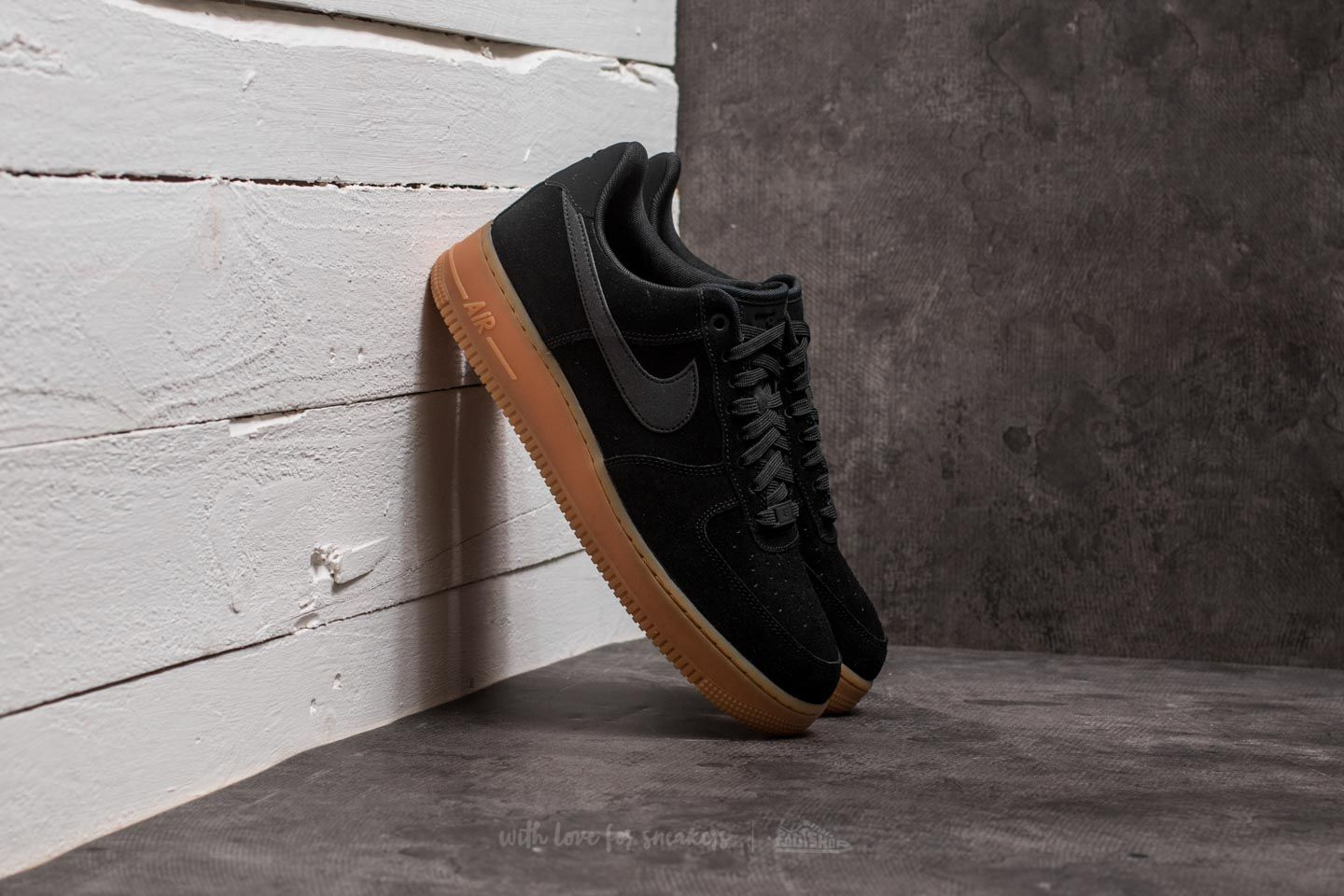 air force 1 07 lv8 suede zwart