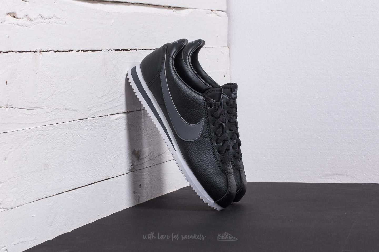 7dacfd3c12779b Nike Classic Cortez Leather Black/ Dark Grey-White | Footshop