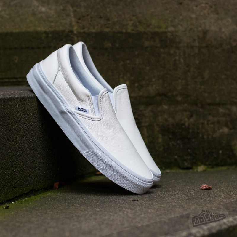 5d095506a45 Vans Classic Slip- On (Premium Leather) True White Mono