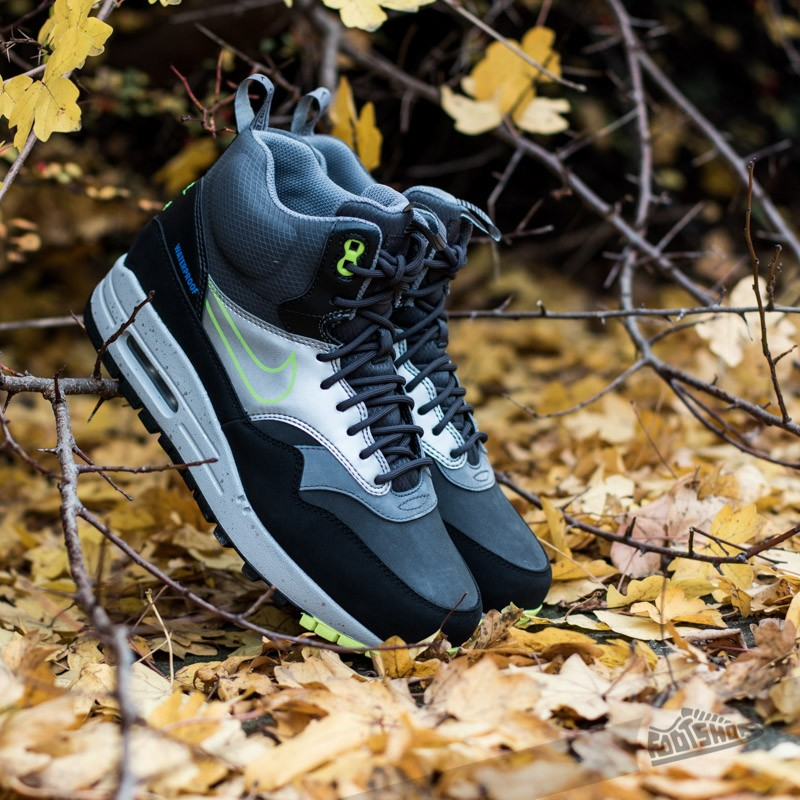 finest selection 9118a 9d275 Nike WMNS Air Max 1 Mid Sneakerboot WP Black/Silver Volt | Footshop