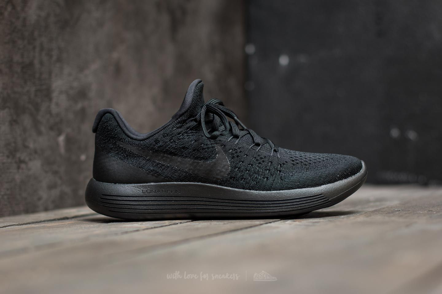 innovative design 86a7b 97c2c Nike W Lunarepic Low Flyknit 2 Black  Black-Racer Blue at a great price