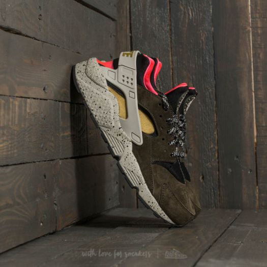 Nike Air Huarache Run Premium Black/ Desert Moss-Solar Red