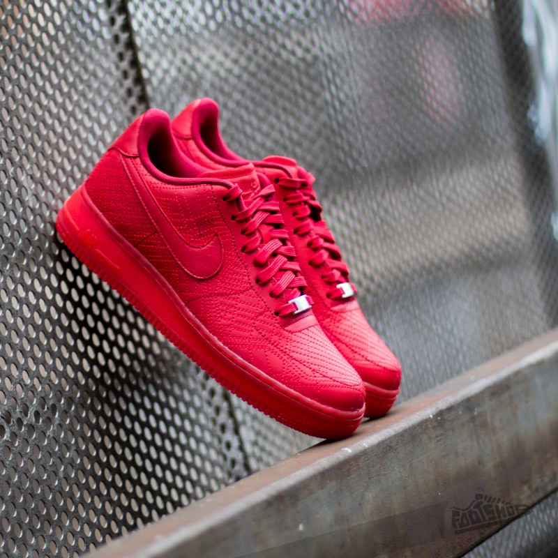 big sale d6765 08240 Nike WMNS Air Force 1 ´07 FW QS University Red