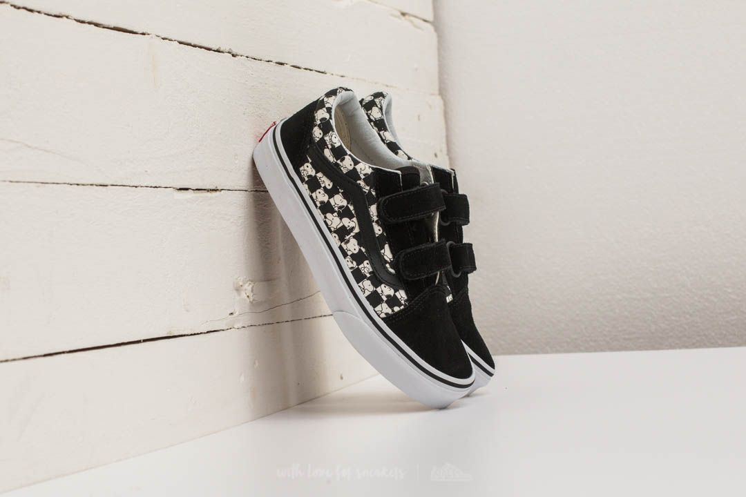 4a9ff17e3c Vans x Peanuts Old Skool V Snoopy  Checkerboard at a great price 25 € buy