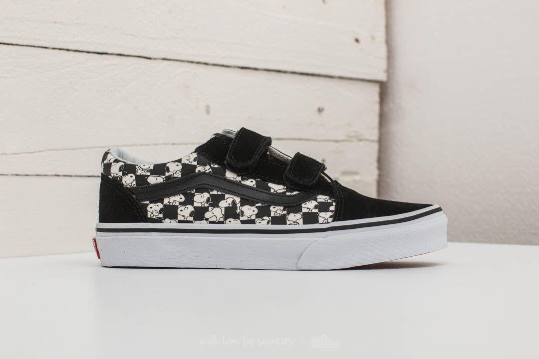 Vans x Peanuts Snoopy Old Skool shoes. Vans classic skate