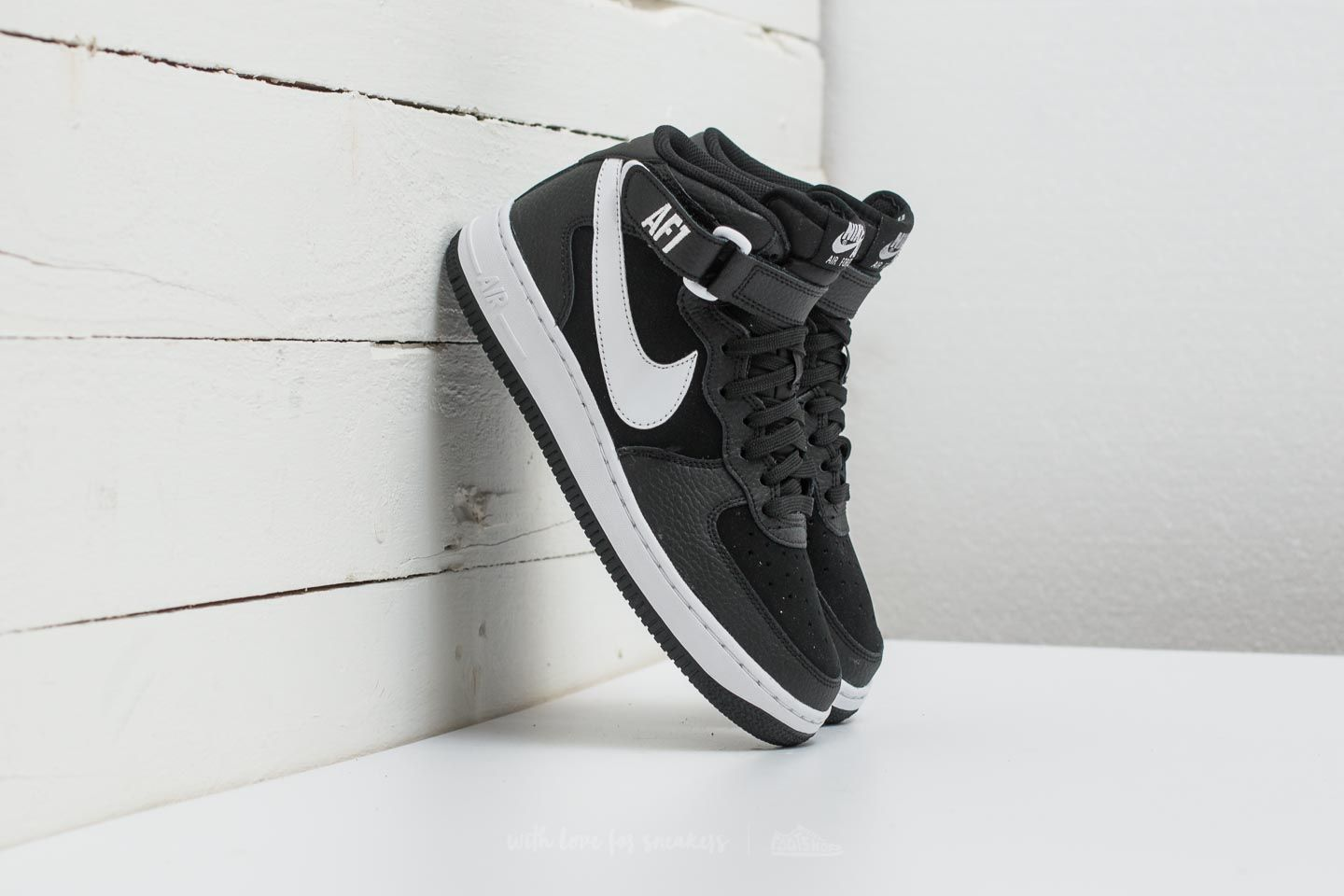 official photos 3f4bf df4eb Nike Air Force 1 Mid (GS). Black  White