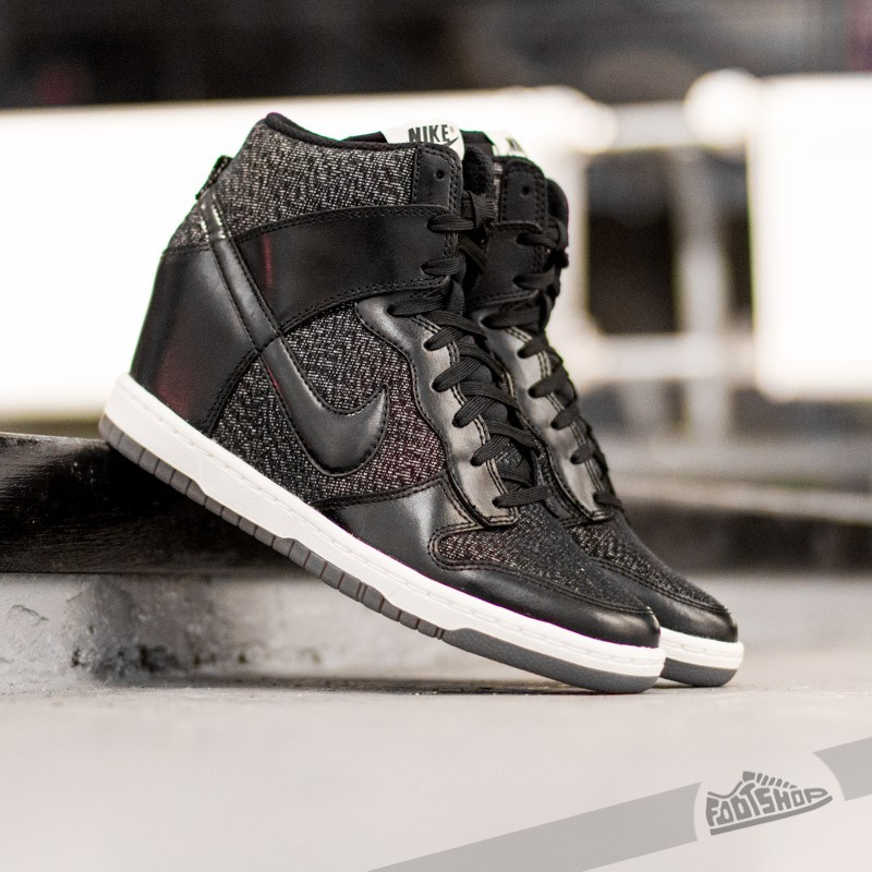 watch 0a001 2b032 Nike WMNS Dunk Sky HI Essential BlackMedium Mint