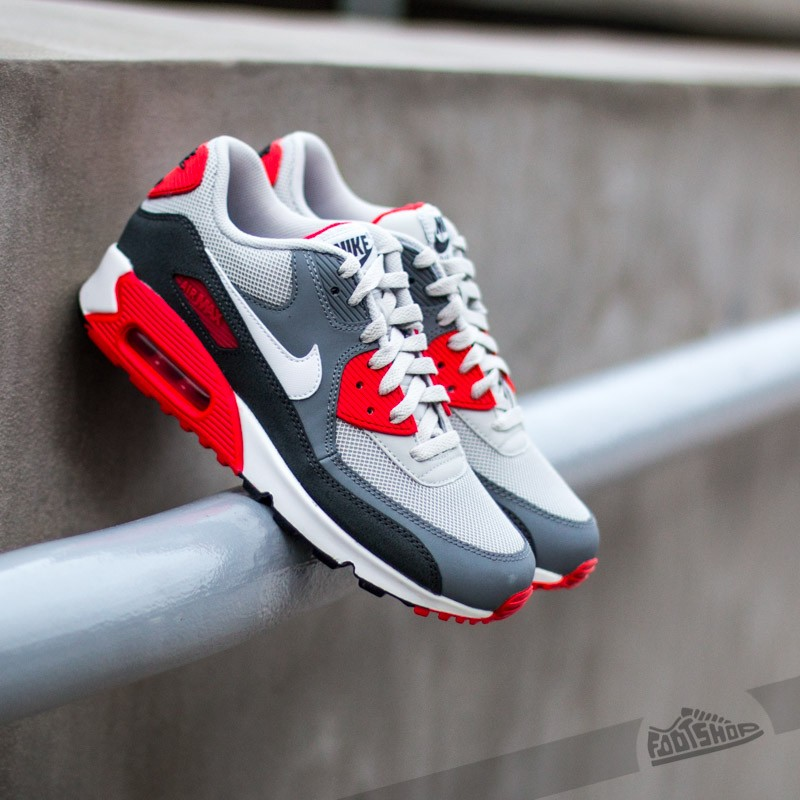 the latest fdbf3 874a1 Nike Air Max 90 (GS). Dusty Grey White-Challenge Red